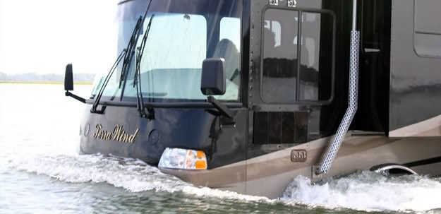 Amphibious RV