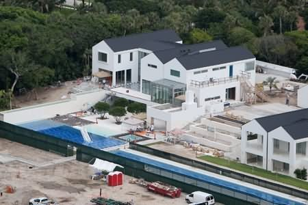 Tiger Woods' new house nears completion in Jupiter, FL.