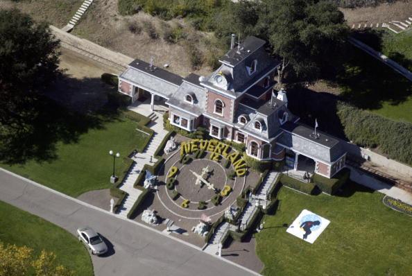 Where did Michael Jackson lived?