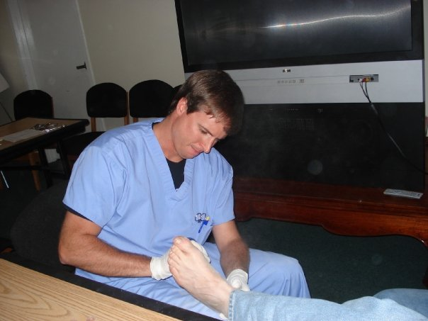 How much does a podiatrist make?