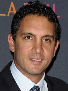 How rich is Mauricio Umansky?