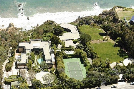 arial view of Brad Pitt's Malibu beach house