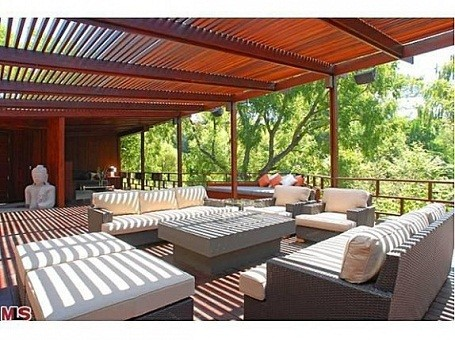 Outdoor lounge at Heath Ledger's Treehouse