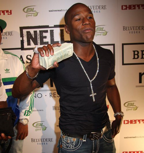 How much does Floyd Mayweather make?