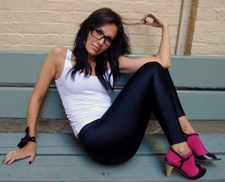 Vancouver woman wearing Lululemon yoga pants