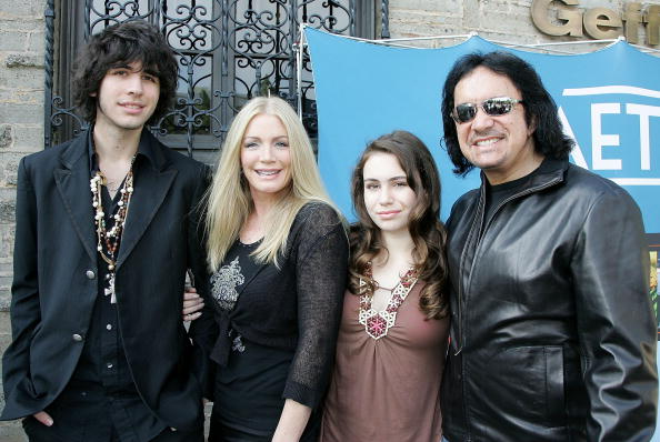 Gene Simmons, Shannon Tweed and kids Nick and Sophie on Family Jewels