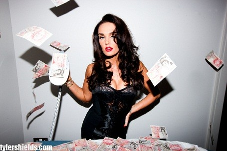 "Tamara Ecclestone ironing £50 bills for her reality TV show ""Billion $$$ Girl"""