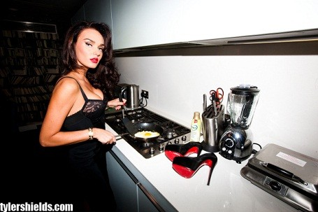 Tamara Ecclestone fries an egg for Hollywood photographer Tyler Shields