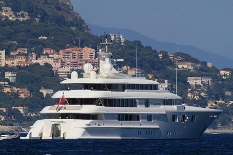 Washington Redskins owner Dan Snyder's $70 million super yacht
