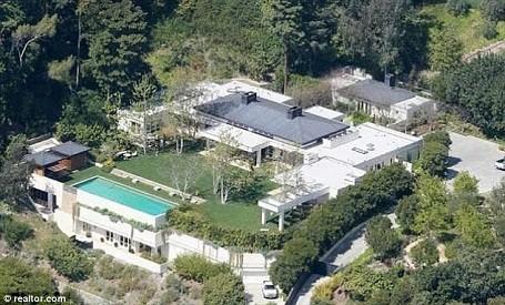 Arial view of Ellen DeGeneres and Portia De Rossi's Beverly Hills estate