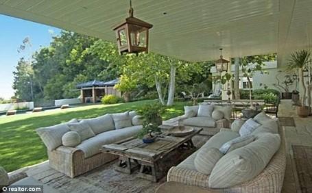 Patio behind Ellen DeGeneres and Portia De Rossi's Beverly Hills home