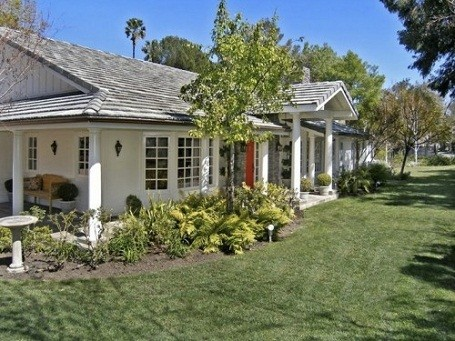 Jonah Hill's new suburban home in Tarzana, California