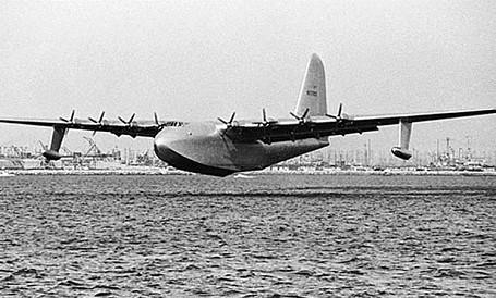 "Howard Hughes ""Spruce Goose"""