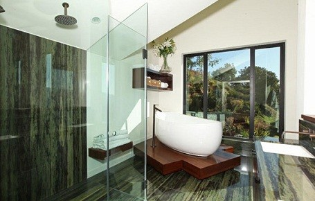 Bathroom in Kristen Stewart and Robert Pattinson's summer home in Bel Air.