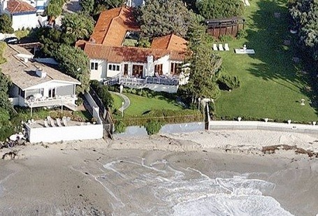 Mitt Romney's beach home: plans to tear down and quadruple the size.