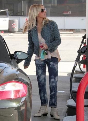 Ashley Tisdale Car