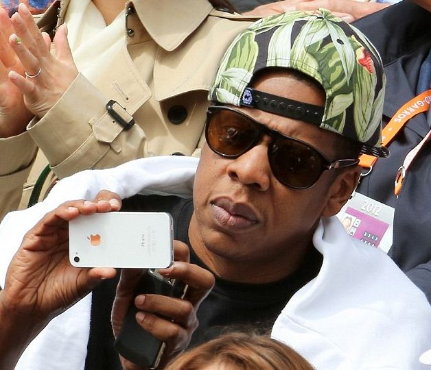 Jay-Z playing with iPhone