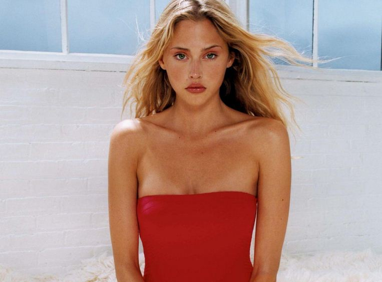 estella warren red dress