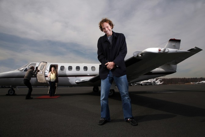 Jesse Itzler Private jet