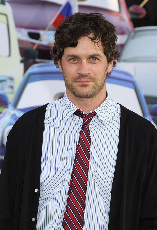 Tom Everett Scott wearing a tie