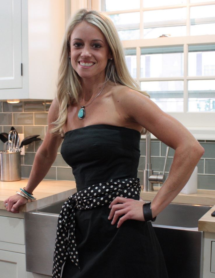 Nicole Curtis black skirt