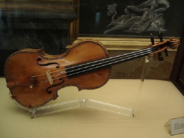 Antonio Stradivari - Violin