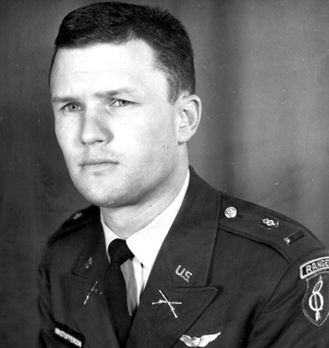 Kris Kristofferson - Army Photo