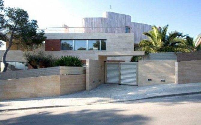 One of Neymar's Houses