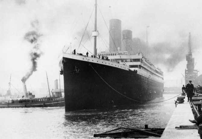 Titanic Leaving France