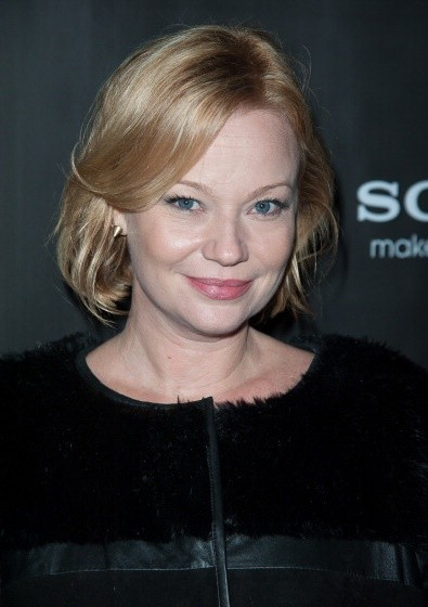 Samantha Mathis Net Worth | Celebrity Net Worth Samantha Mathis