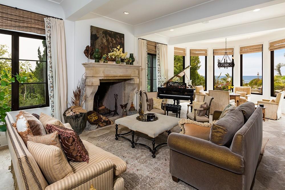 OC-House-Living-Room