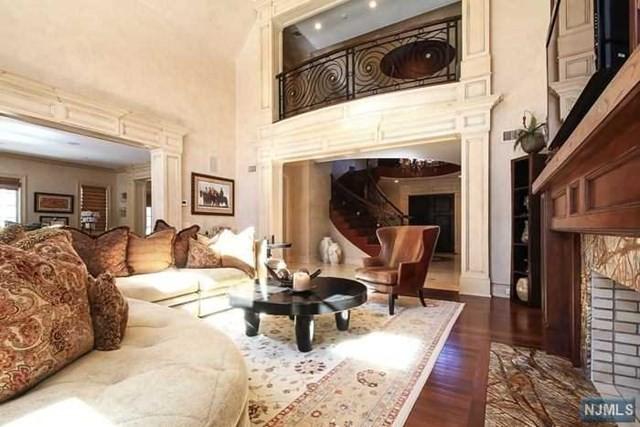 Ewing Creskill Great Room