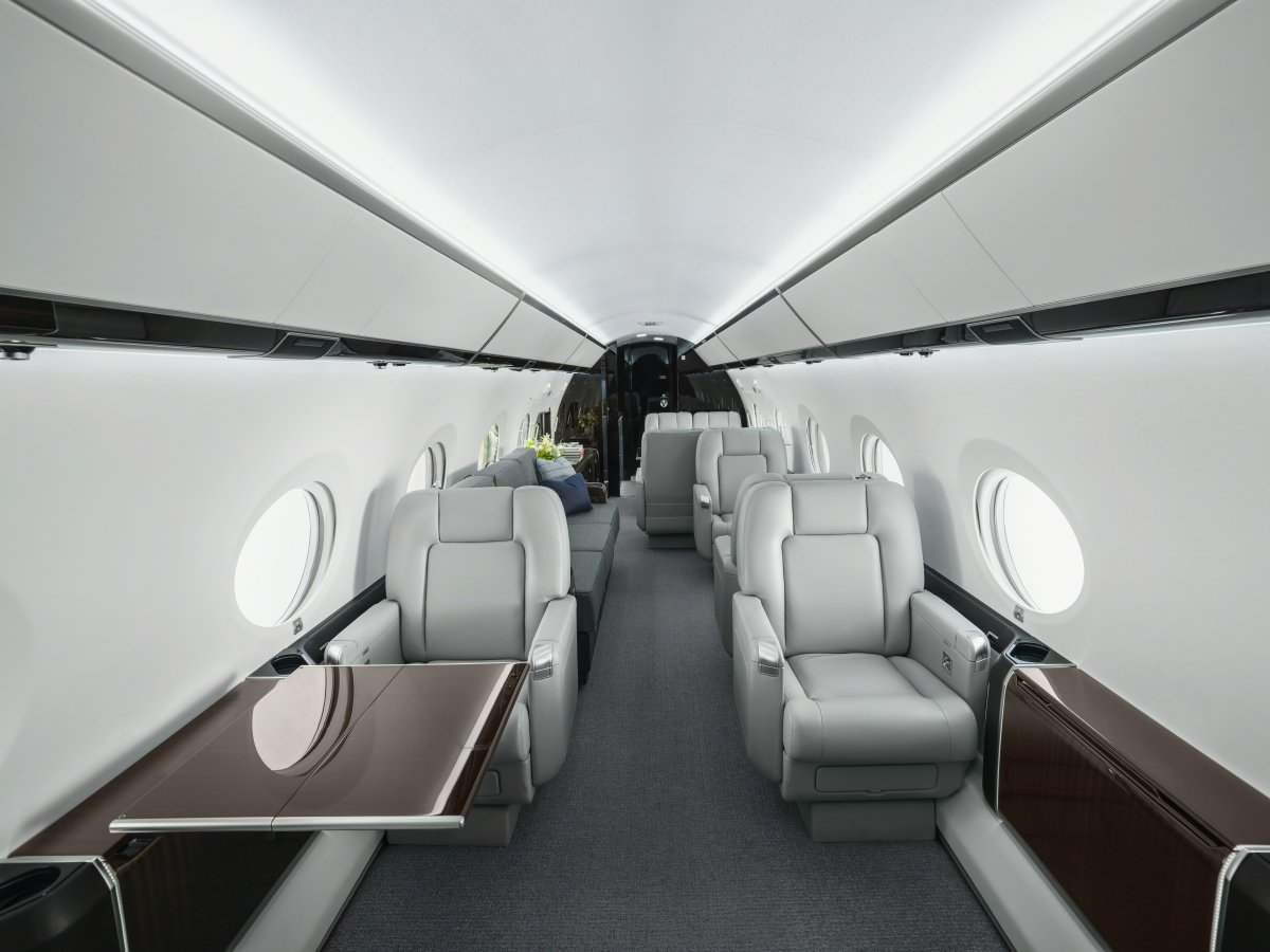 the-g450-can-seat-up-to-19-guests-all-of-the-chairs-can-made-into-beds-while-there-are-two-longer-sofa-areas-toward-the-rear-of-the-plane