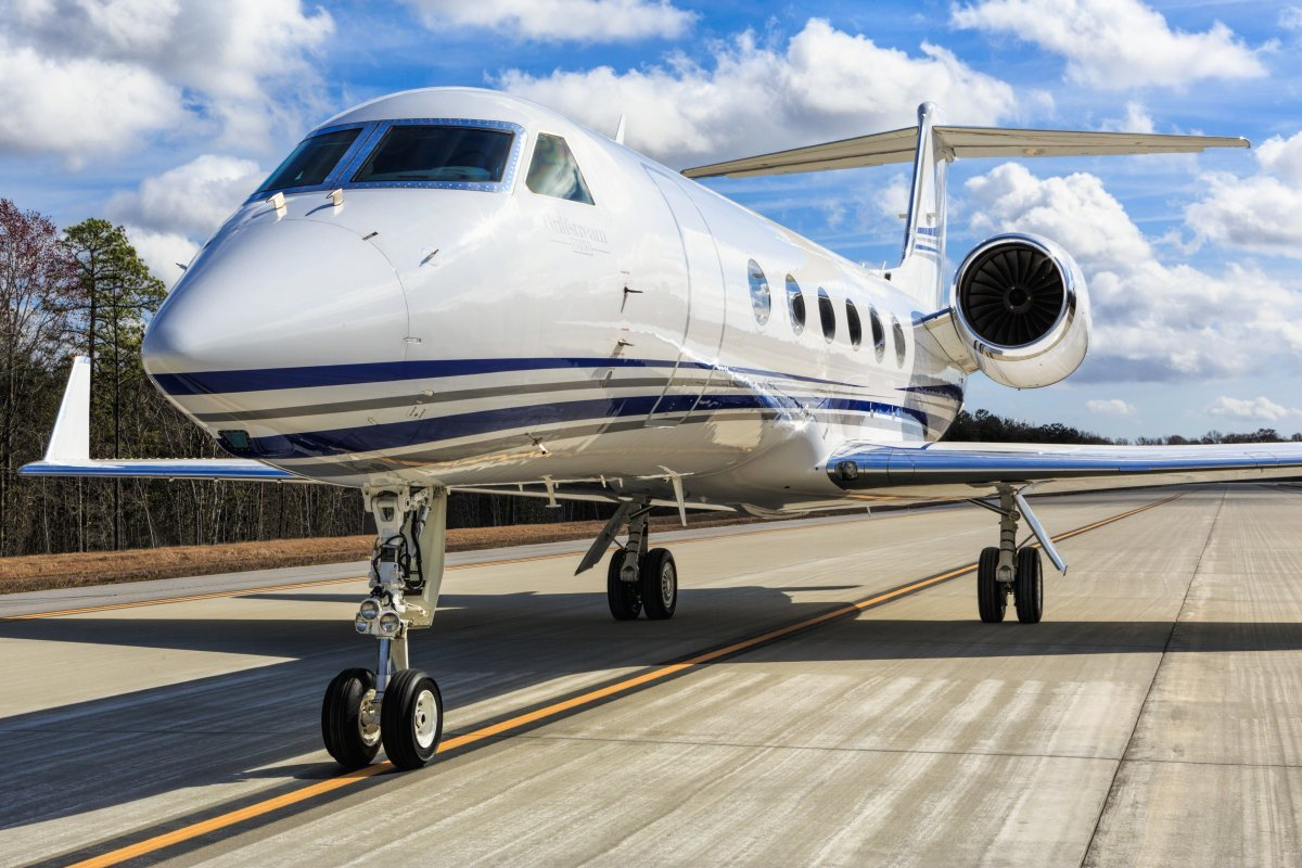 the-g450-is-popular-among-those-who-want-to-travel-large-distances-in-style-from-london-the-jet-can-reach-seattle-on-one-tank-of-fuel