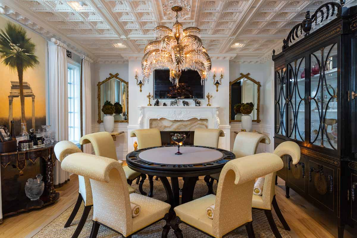 the-coffered-ceilings-in-the-dining-room-add-a-touch-of-old-world-sophistication
