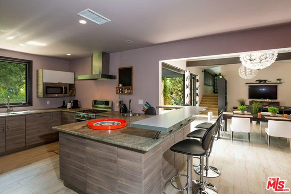 Miley-Cyrus-Malibu-CA-Real-Estate-Kitchen