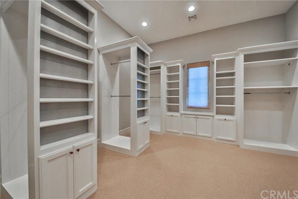 Britney-Spears-Home-For-Sale-In-Thousand-Oaks-CA-Closet