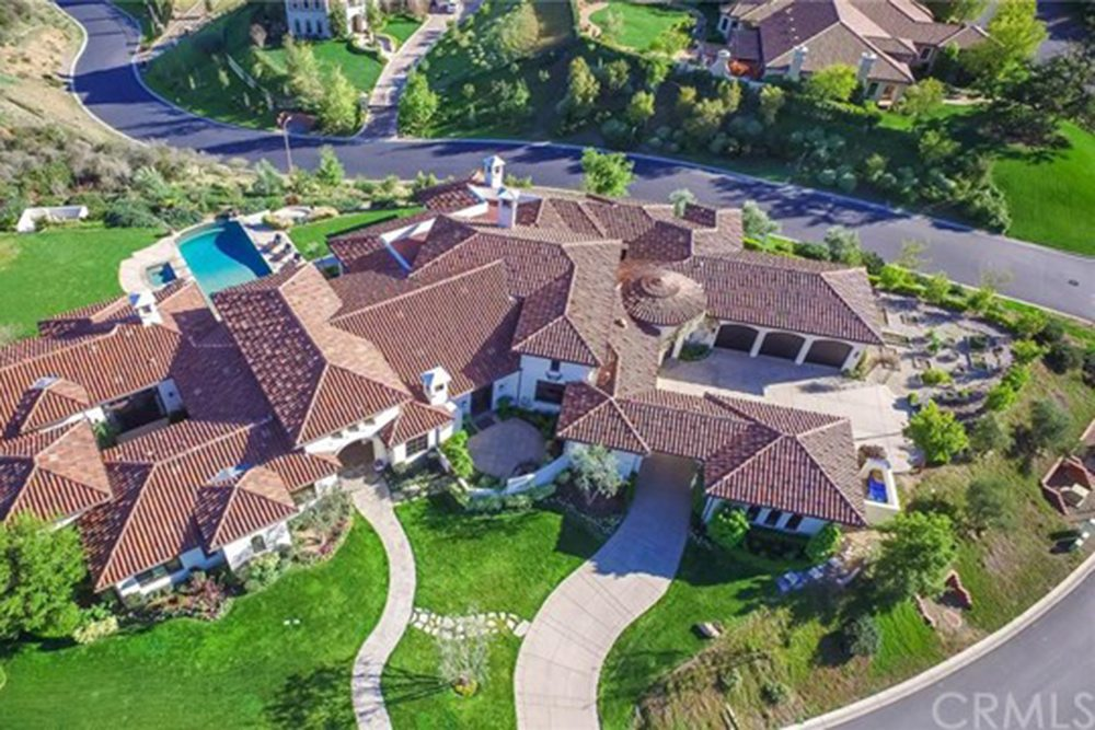 Britney-Spears-Home-For-Sale-In-Thousand-Oaks-CA-Exterior-2