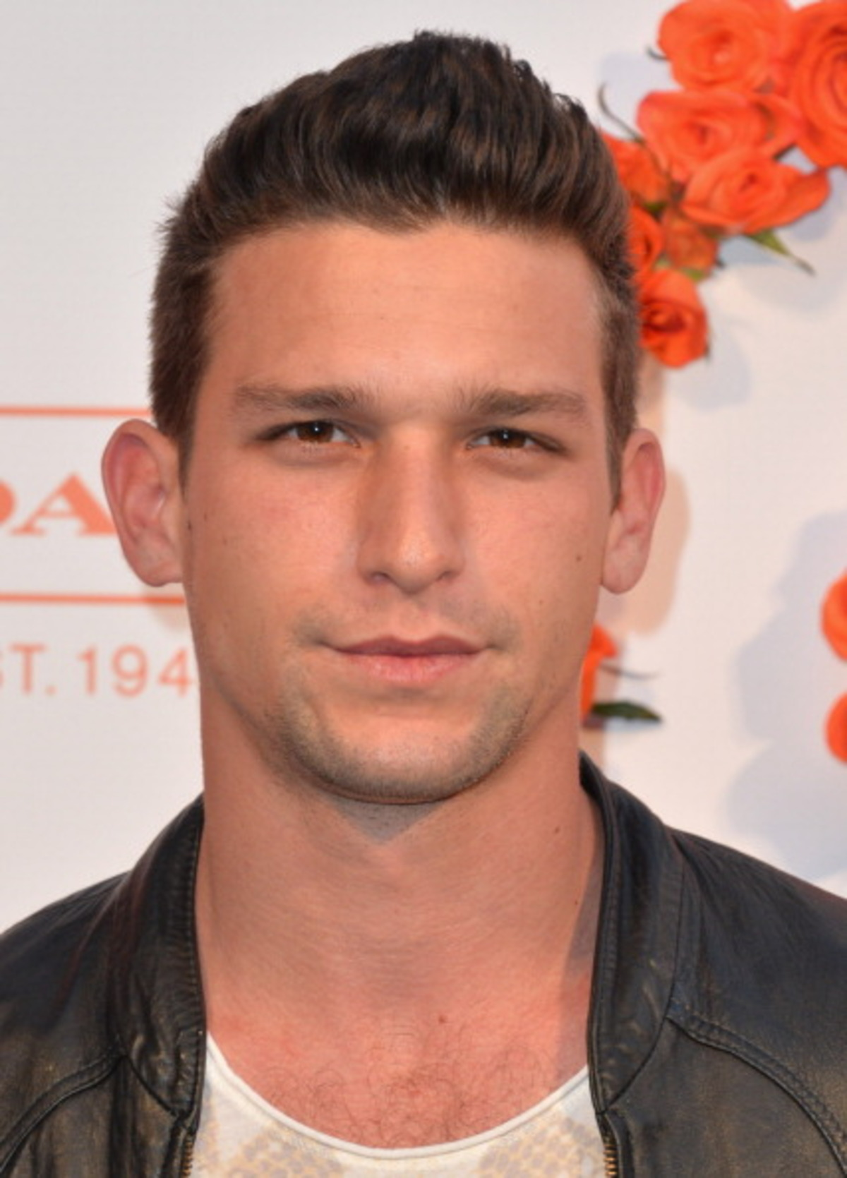 Daren Kagasoff Net Worth Celebrity Net Worth Everything you need for gangnam costumes, yellow suit guy, elevator cowboy, and backup dancers. daren kagasoff net worth celebrity