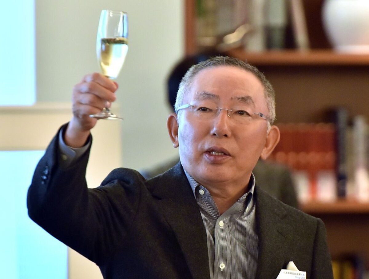 The Richest Person In Japan: How Tadashi Yanai Turned One