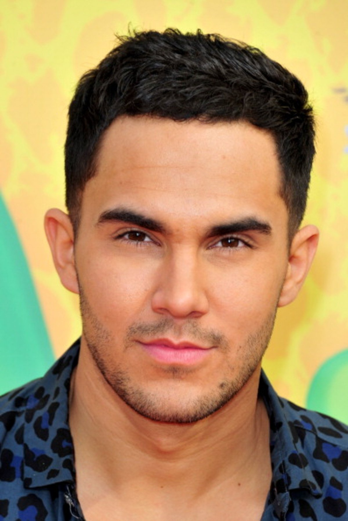 Whos dating carlos pena jr