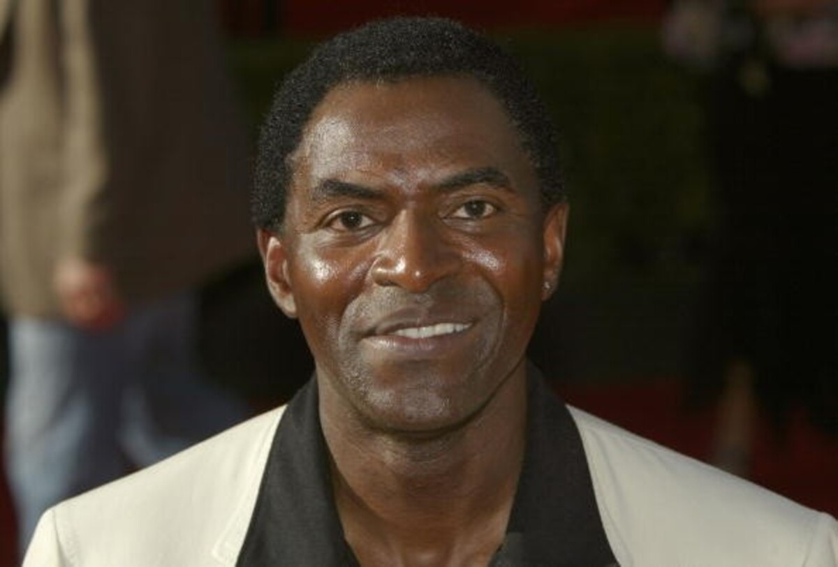 carl lumbly height