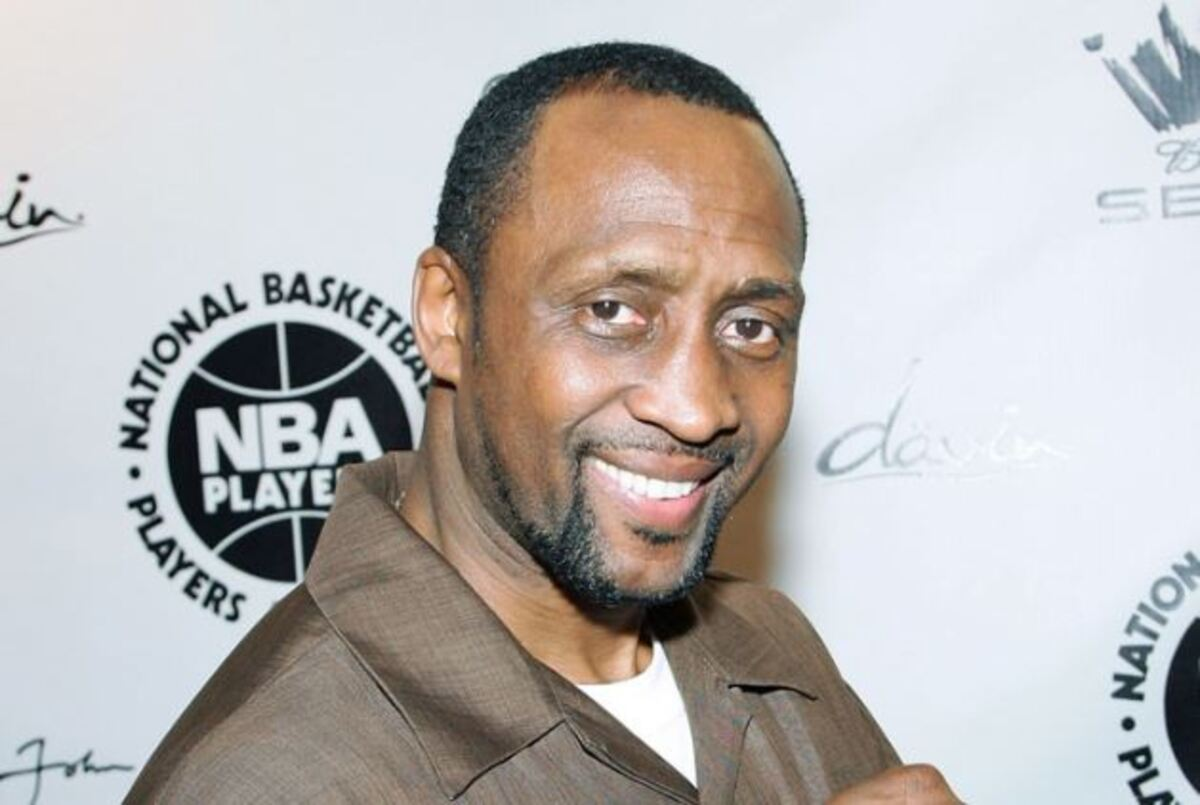 The 62-year old son of father (?) and mother(?) Thomas Hearns in 2021 photo. Thomas Hearns earned a  million dollar salary - leaving the net worth at  million in 2021