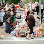 Guy Buys $5 Box of Junk At Garage Sale - Finds $130 Million Surprise
