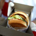 Did You Kow That In-N-Out Burger Is Owned By A 30 Year Old Female Billionaire Drag Racer?