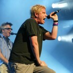 "Rock Star, Pilot, PhD, Entrepreneur... Dexter Holland Of ""The Offspring"" Is The Real Life Most Interesting Man In The World"