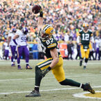 Jordy Nelson Spends His Off-Season Working On The Family Farm