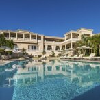 """Billionaire Jeff Greene Relists His """"Palazzo di Amore"""" For $129 Million"""