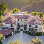 Drake Stays At $14,000 Per Night Beverly Hills Mansion