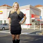 By Turning 35 This Morning, In-N-Out Heiress Lynsi Snyder Just Inherited A Billion Dollar Burger Empire. What A Birthday Present!